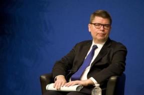 Paris Club chief in Cuba to expedite debt negotiations